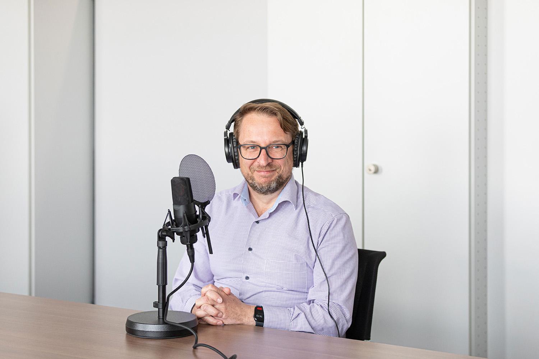 Andreas Bildstein bei der Aufzeichnung einer Podcast-Folge