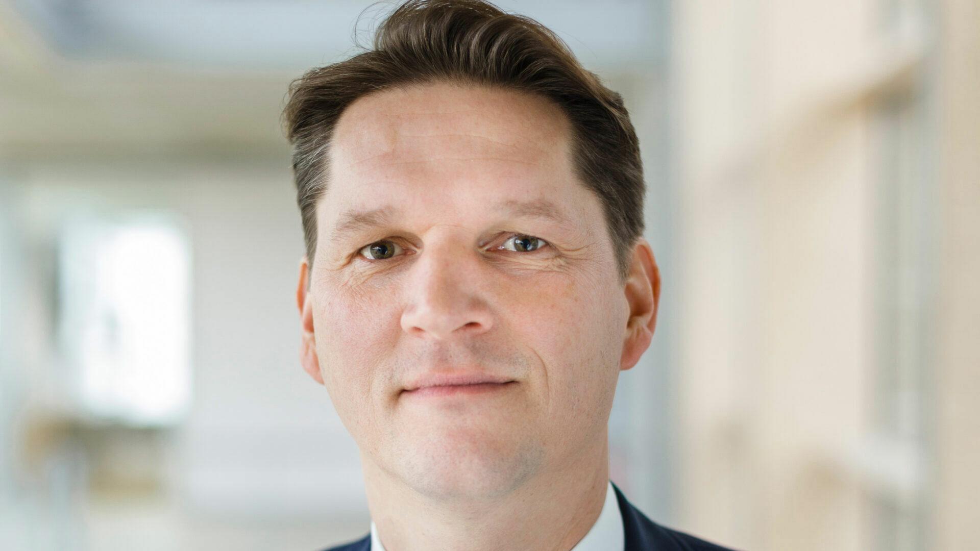 Portrait Oliver Schöllhammer